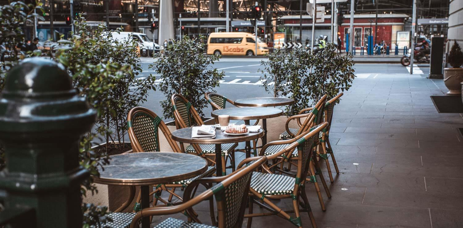 alexander-bar-seating-outside-melbourne-street | The Savoy Hotel on Little Collins