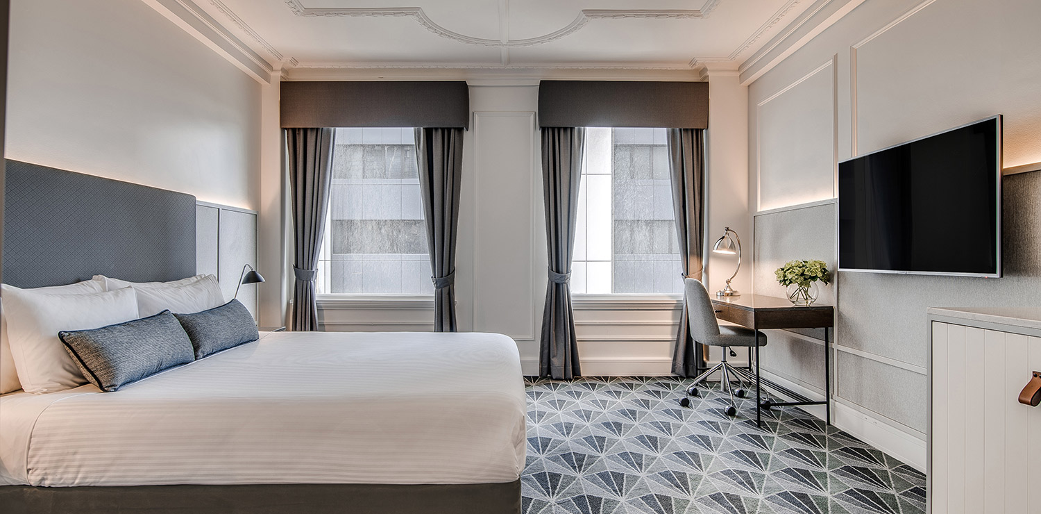 the-savoy-hotel-on-little-collins-melbourne-guest-room-bedroom-king-03-2018 | The Savoy Hotel on Little Collins