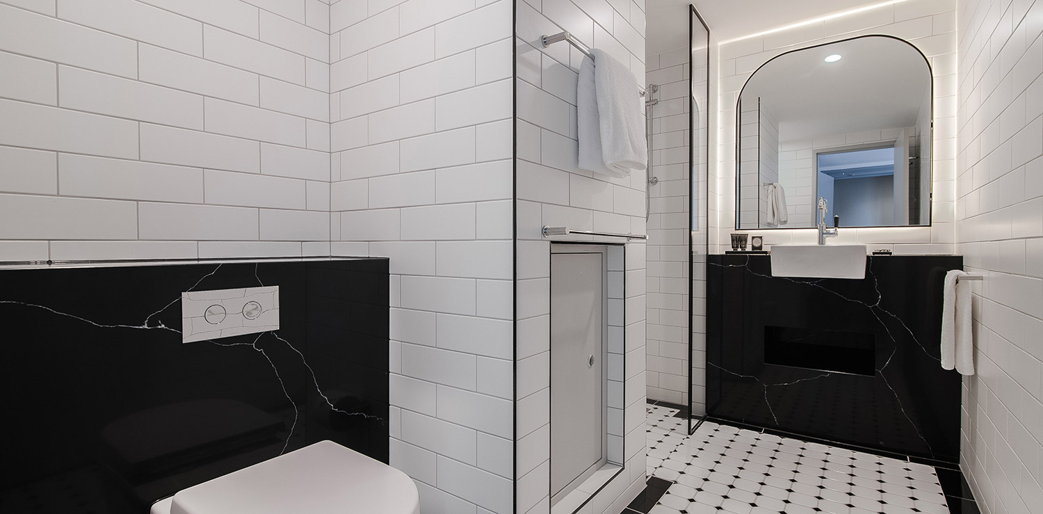 the-savoy-hotel-on-little-collins-melbourne-plaza-room-bathroom-04-2018 | The Savoy Hotel on Little Collins