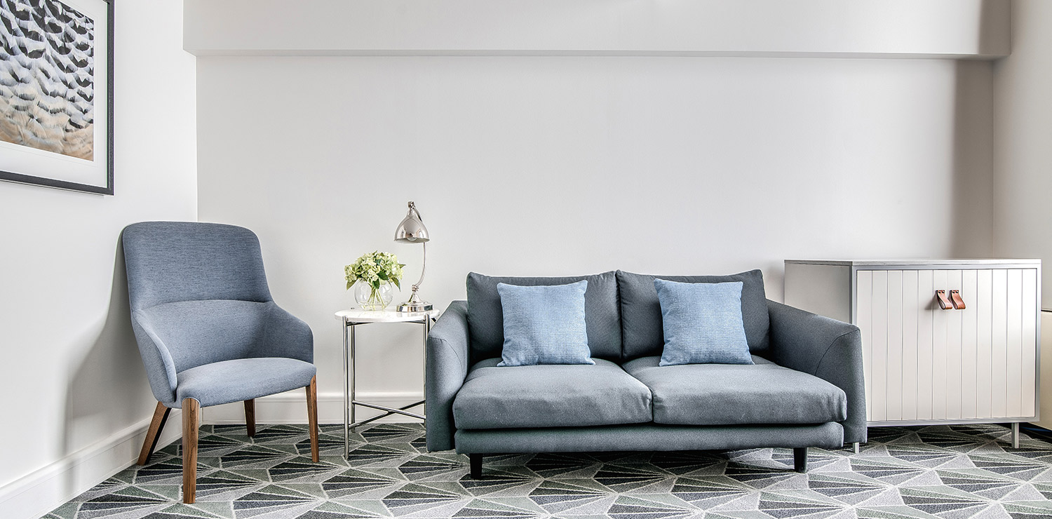 the-savoy-hotel-on-little-collins-melbourne-richardsons-loft-lounge-room-02-2018 | The Savoy Hotel on Little Collins