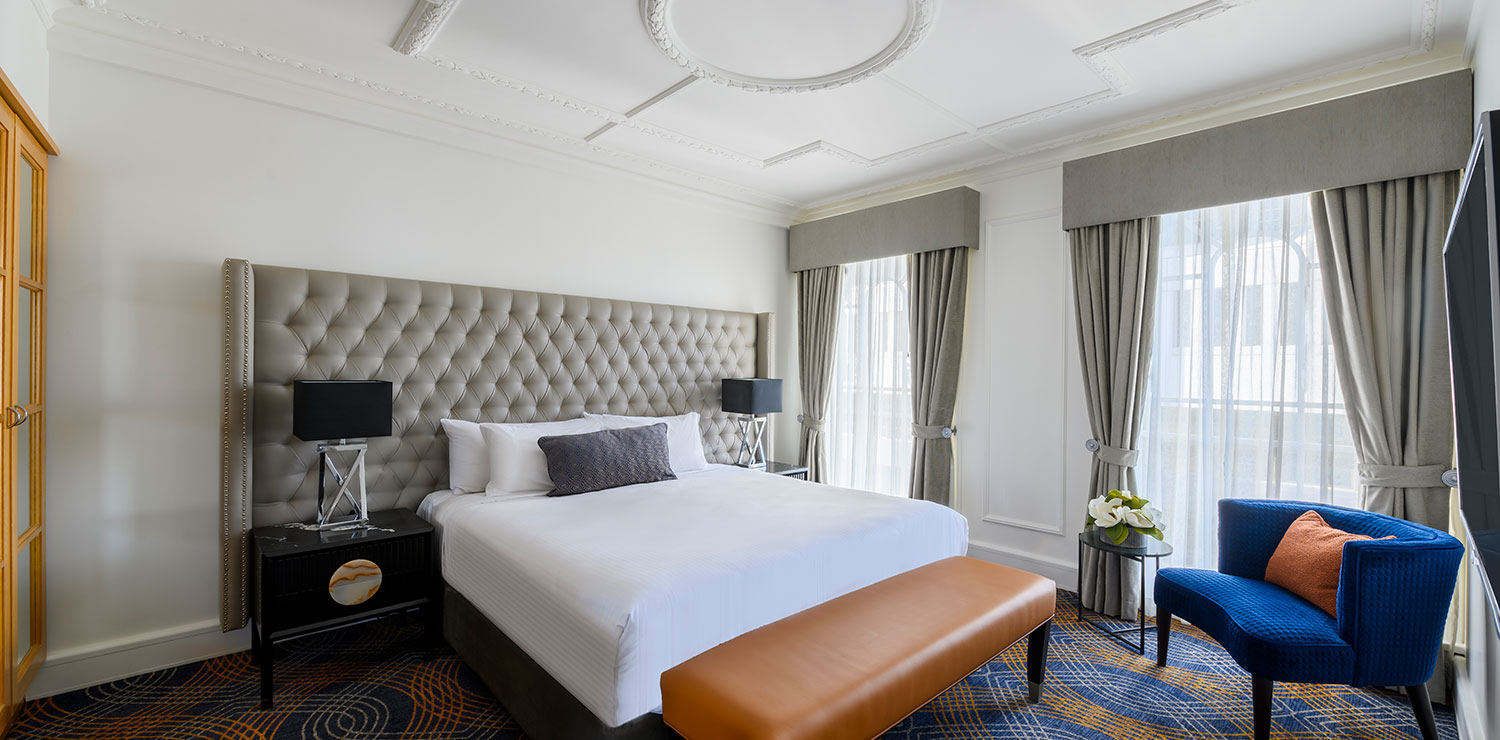the-savoy-hotel-on-little-collins-melbourne-suite-bedroom-2019 | The Savoy Hotel on Little Collins