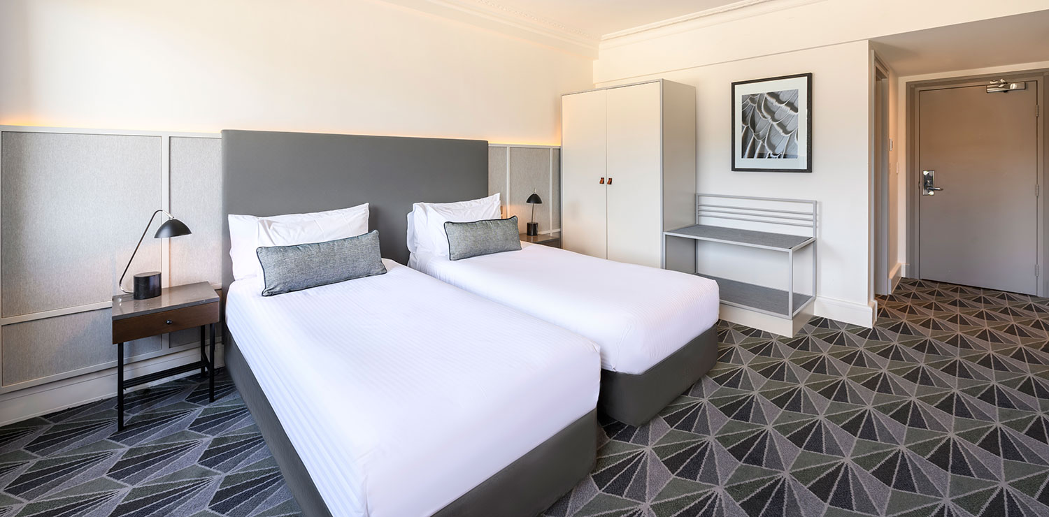 the-savoy-hotel-on-little-collins-melbourne-guest-room-bedroom-twin-02-2019 | The Savoy Hotel on Little Collins